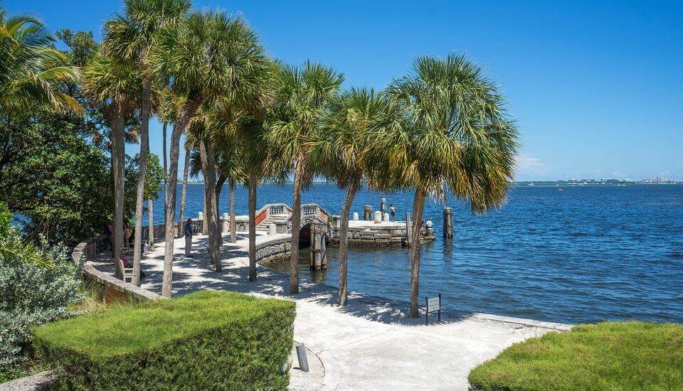 The best long distance movers will help you see the best Miami beaches